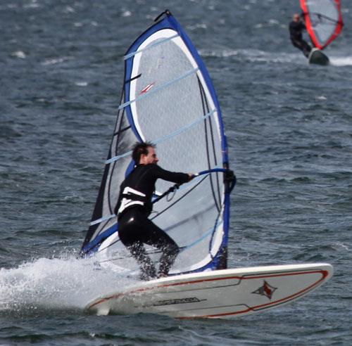 Windsurfin-jibe
