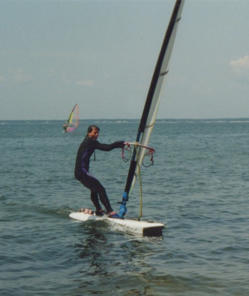 No nose windsurfing board