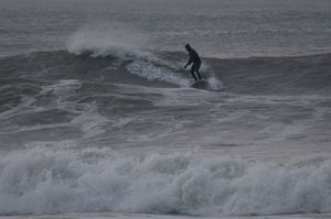 Joe rips up a wave-500